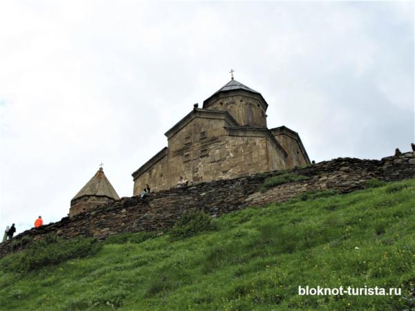 Церковь Святой Троицы в Степанцминде (достопримечательности Степанцминды)