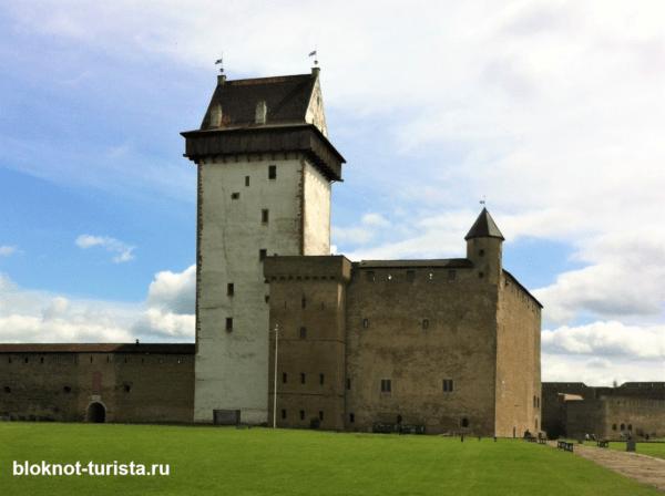 посетили первым делом Нарвский замок Германа
