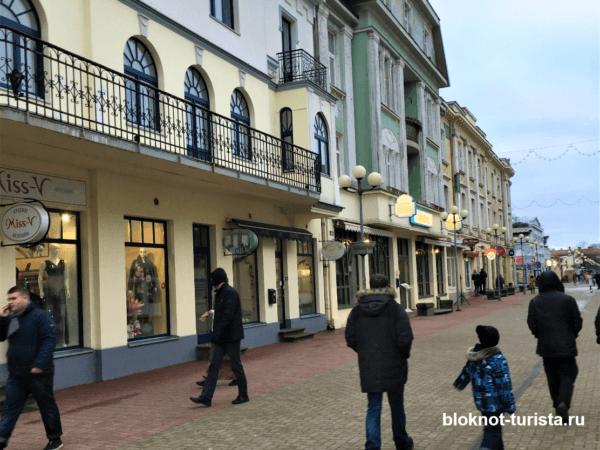На улице Йомас - одной из главных городских улиц Юрмалы
