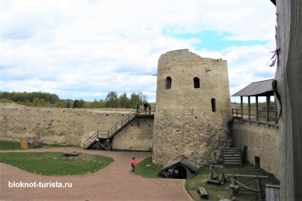В Псков на машине - посещение Изборской крепости
