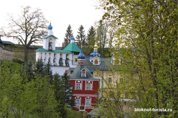 Свято-Успенский мужской монастырь в Печорах