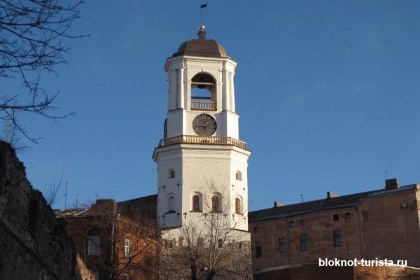 Часовая башня и развалины Домского собора в Выборге