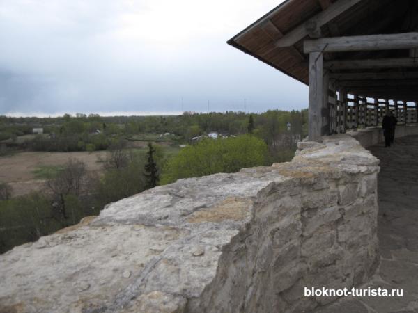 Вид с Изборской крепости в Пскове