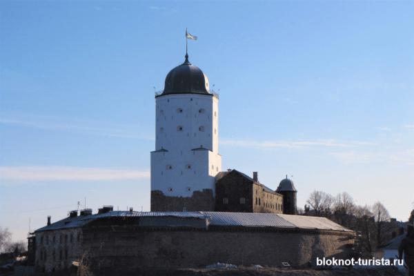 Выборгский замок - главная достопримечательность Выборга