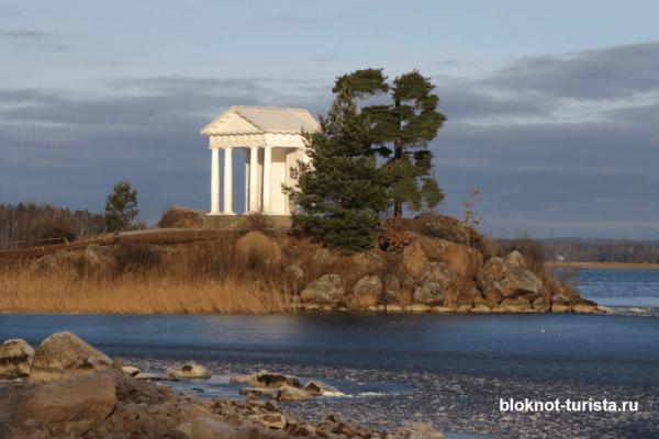Храм Нептуна в парке Монрепо