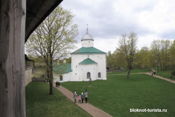 Никольский собор в Изборской крепости в Пскове