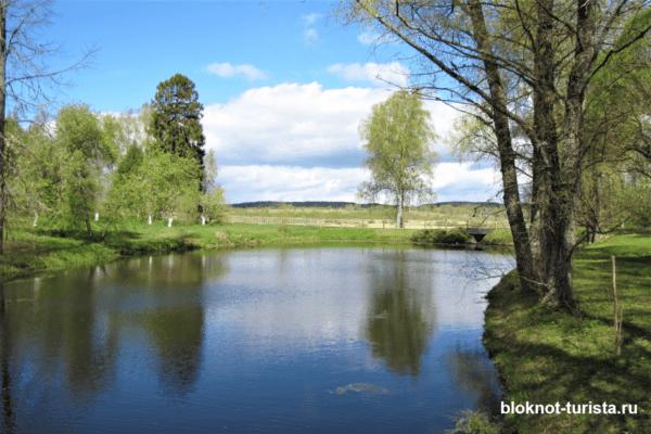 Пушкинские горы село Михайловское в Псковской области