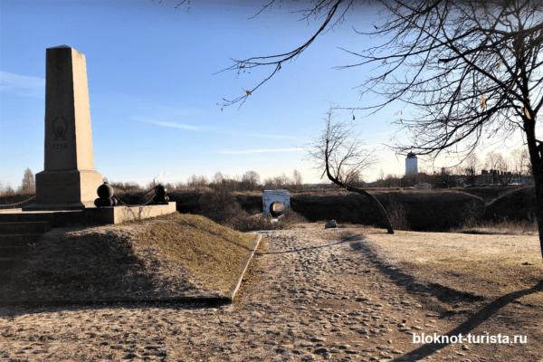 Аненнские укрепления и памятник русским воинам в Выборге