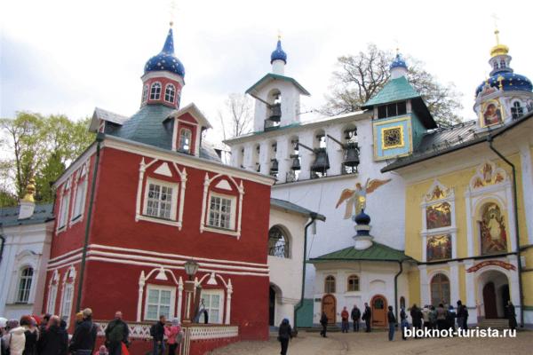Псково-Печорский монастырь в Псковской области
