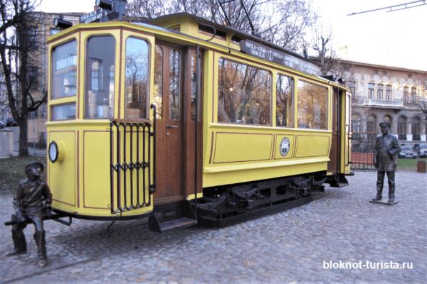 Трамвай-кафе на одной из улочек Выборга
