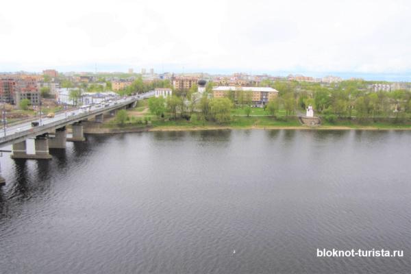 Набережная реки Великой в Пскове