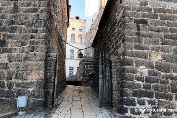 Внутри Выборгского замка
