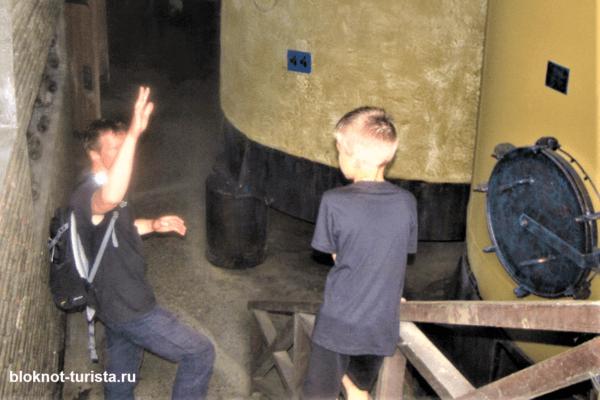 Экскурсия по заводу в Кварели