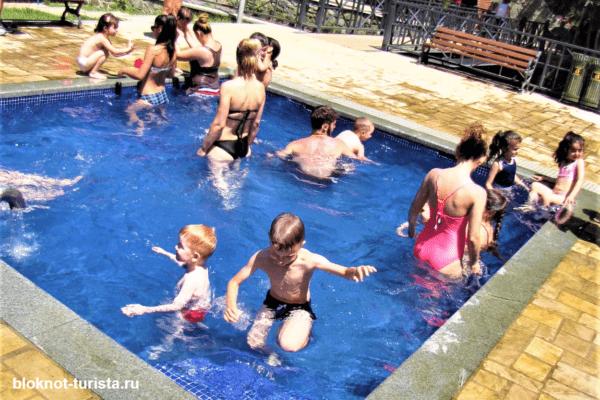 Термальный источник с серной водой в Боржоми
