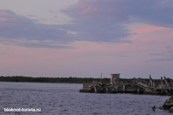 Пристань в Рабочеостровске, откуда отправляются теплоходы на Соловки