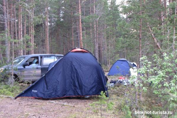 Ночуем в палатках в Ладожских шхерах