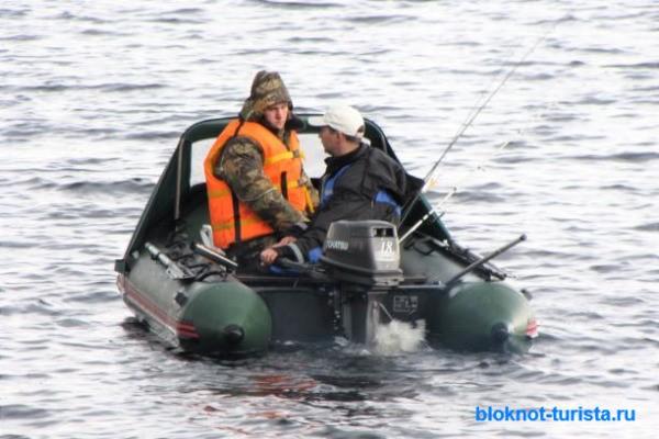 ловим лосося летом на Онеге в Карелии